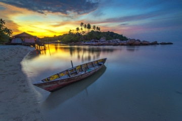Boot vor Bitan Island