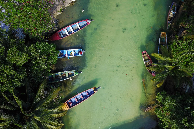 Jamaikanischer Fluss aus der Vogelperspektive