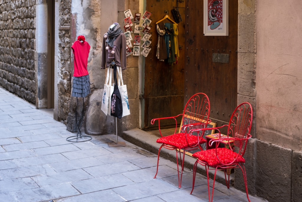 Shoppen in Barcelona: Geschäftseingang in der City