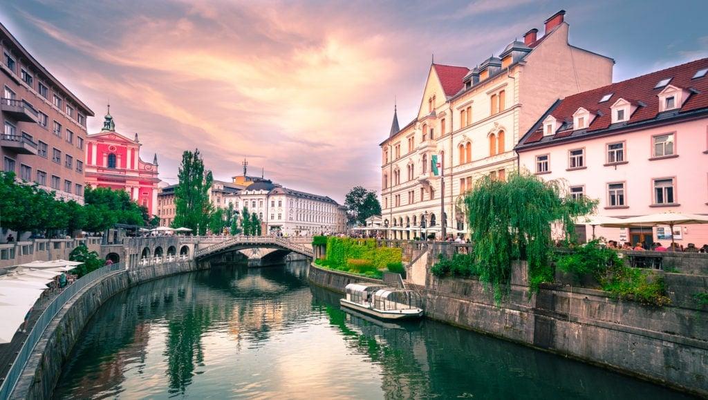 Ljubljana Tromostovje Ljublianica