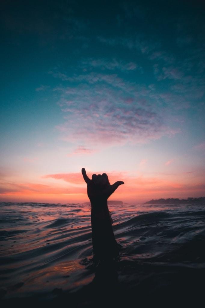 Unser Autor startete den Selbstversuch - und surfte am berüchtigten Bondi Beach.