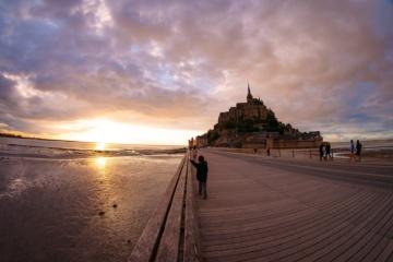 Mont Saint Michel bei Sonnenuntergang