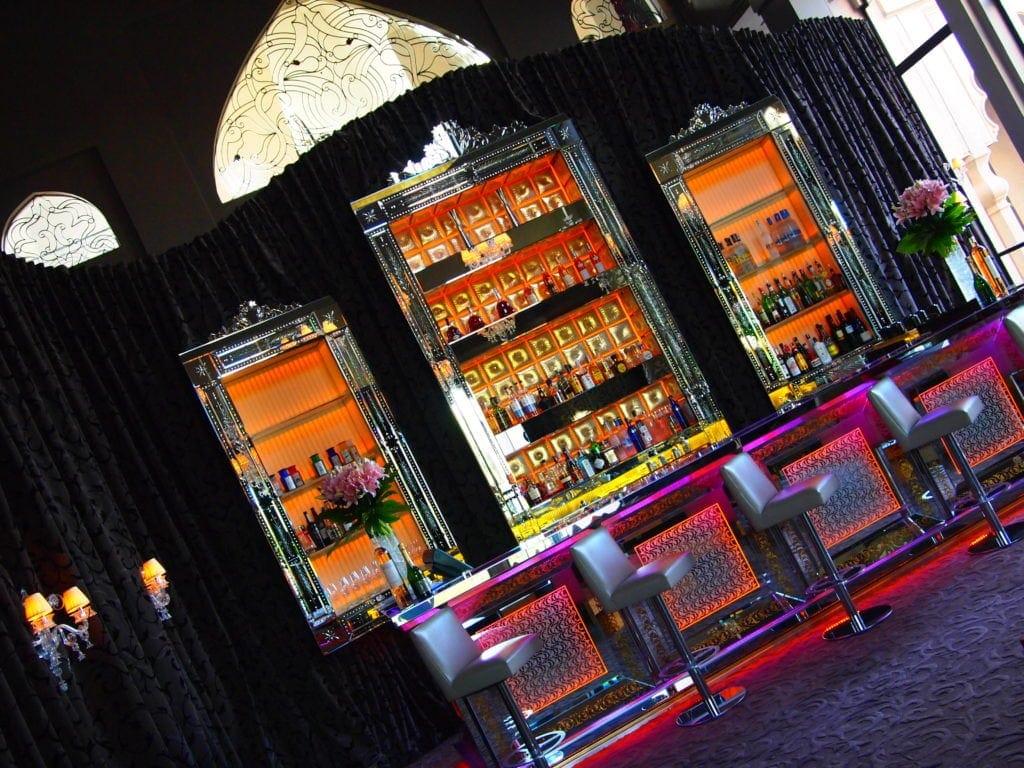 Absacker gefällig? Die Bar des Palais Namskar, Marrakesch