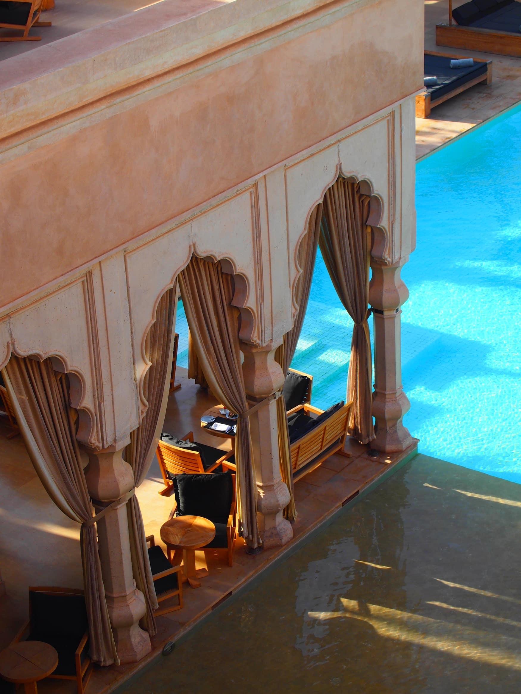 Säulen sind das tragende Element im Palais Namaskar