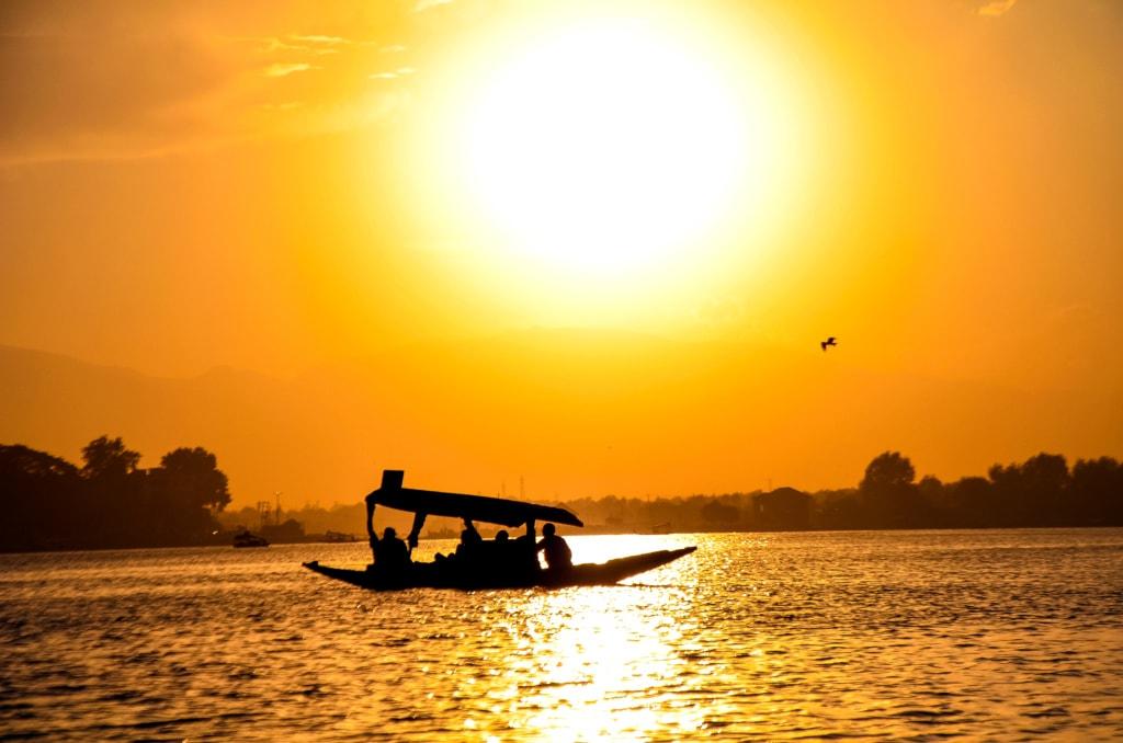Dal See im Sonnenuntergang
