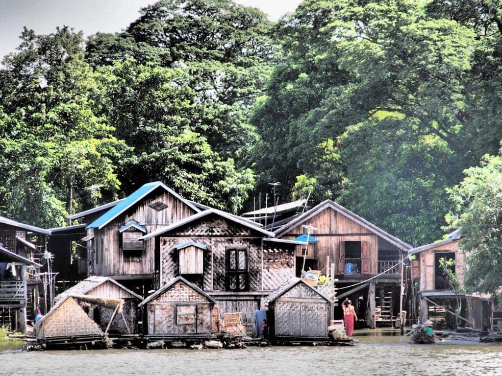 Unterwegs auf dem Ayeyarwady Fluss, Myanamr