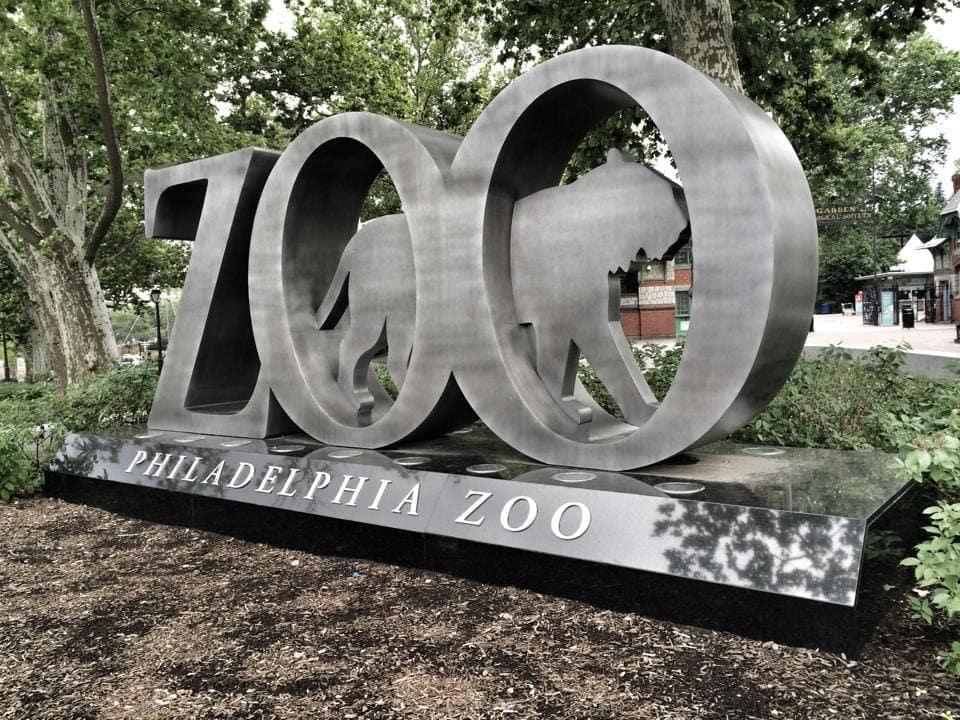 Blick auf den Eingang vom Philadelphia Zoo