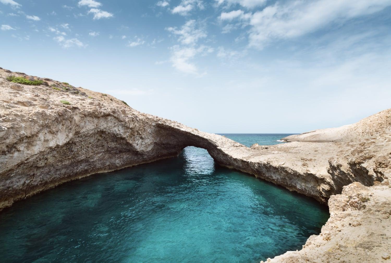 Felsformation im Meer auf Milos
