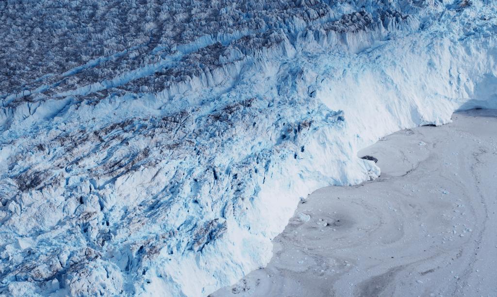 Die Eismassen Grönlands aus dem Flugzeug