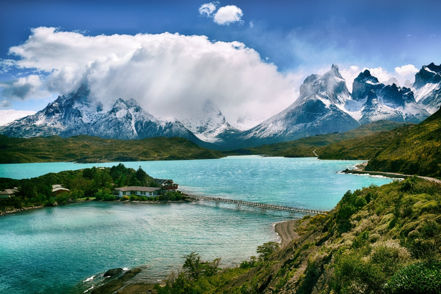 Berge und See im Torres del Paine Nationalpark in Chile