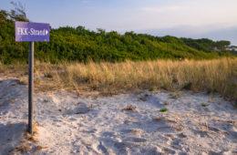 FKK-Liebhaber: Zum Strand, hier lang