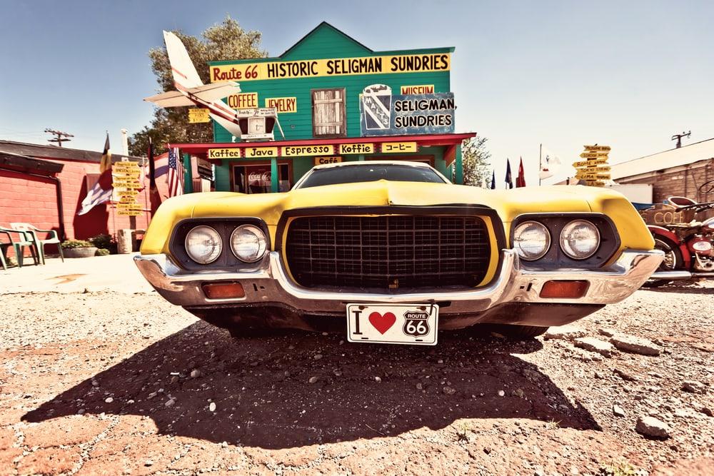 In Seligman bietet sich Filmkulisse pur, hier ist der Charme der Route 66 besonders erhalten geblieben.
