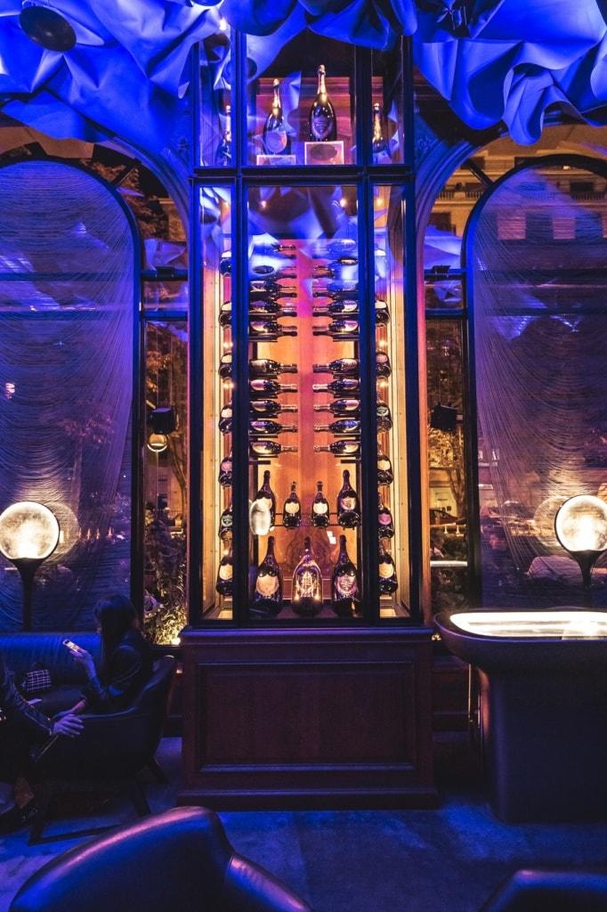 """Die Bar """"Le Bar"""" ist eine der schönsten Locations für einen Drink in Paris."""