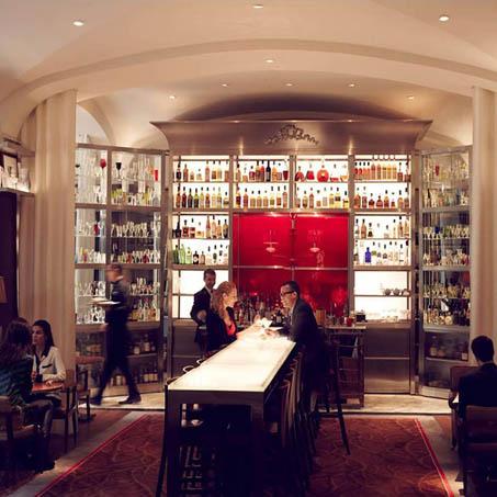 Die Long Bar im Raffles ist eine der besten Hotelbars in Paris.