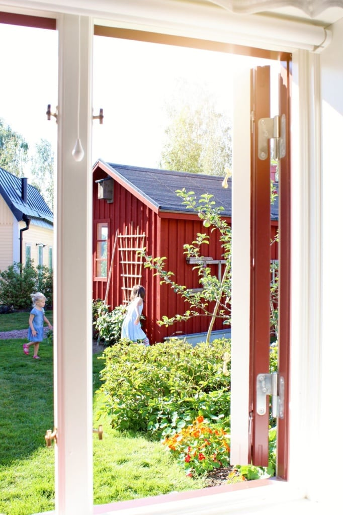 Spielende Kinder in Astrid Lindgrens Welt