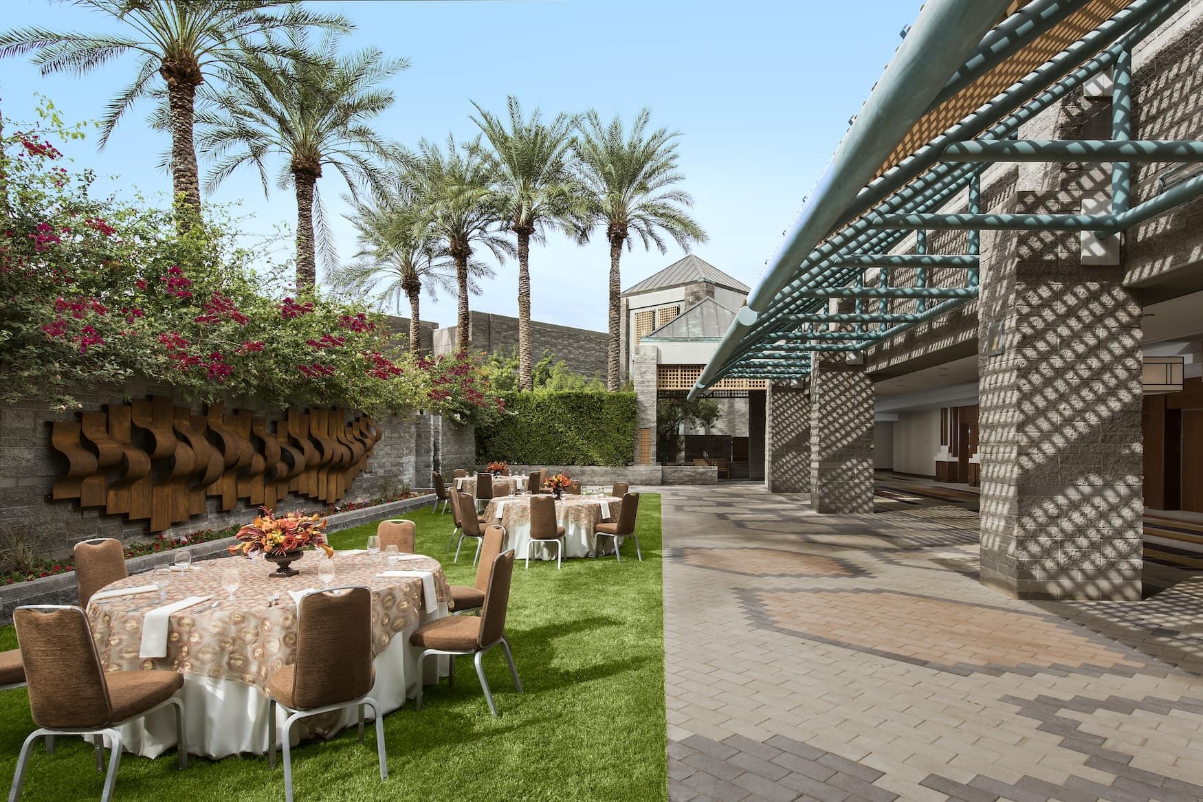 Außenfassade des Hyatt Regency Scottsdale Resort & Spa at Gainey Ranch