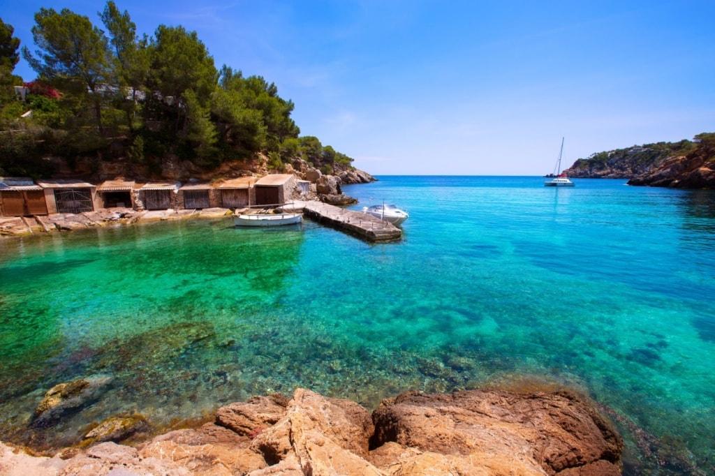 Cala Mastella auf Ibiza