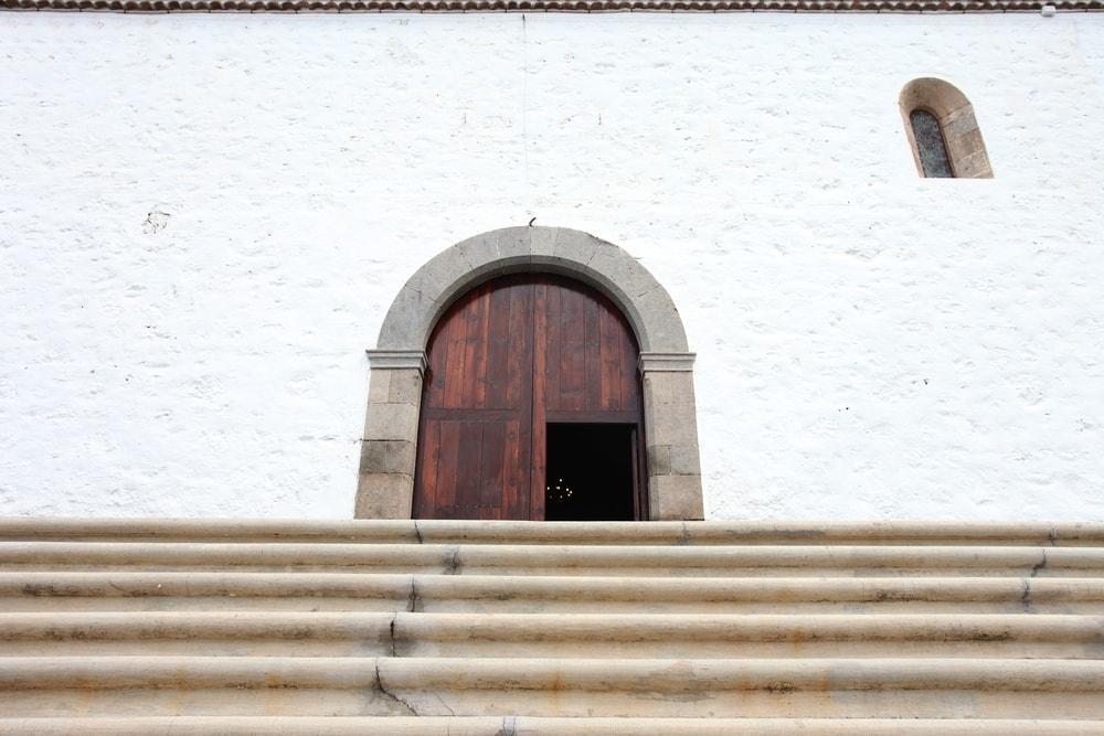 Eingang zur Kriche Santa Ursula in Adeje auf Teneriffa