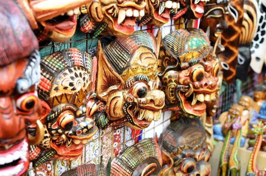 Reise-Guide Bali: Holzmasken sind ein beliebtes Souvenir