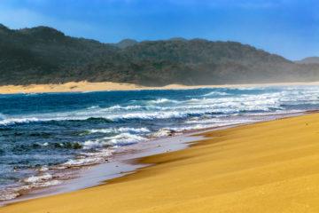 Strände in Südafrika: Beach im iSimangaliso Wetland Park