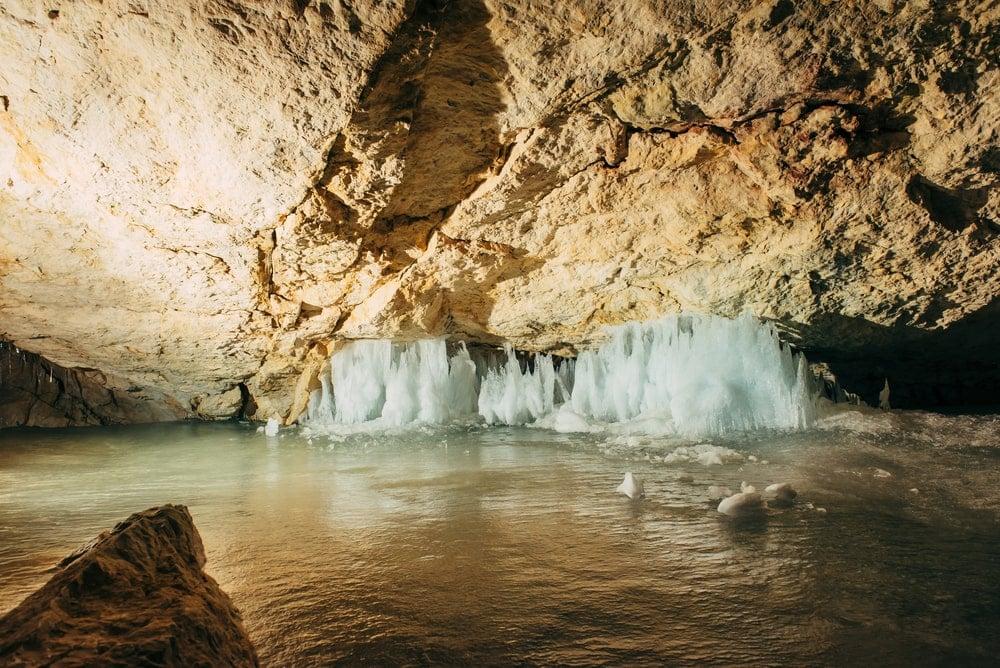 Österreichs Höhlen: Blick in die Dachsteinhöhle