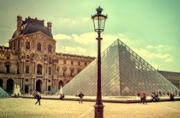 Die berühmtesten Kunstwerke der Welt: Mona Lisa im Louvre in Paris