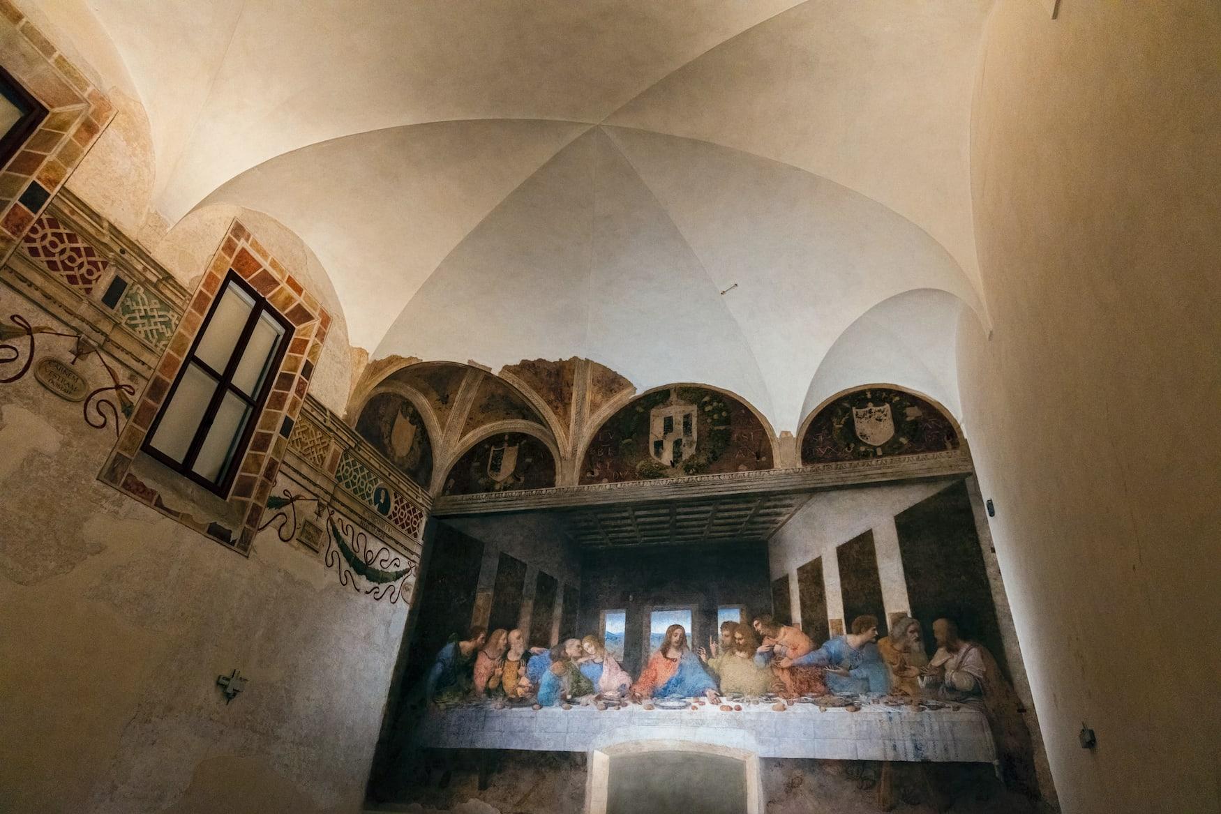 Eines der bekanntesten Meisterwerke der Welt ist Das letzte Abendmahl von Leonardo da Vinci