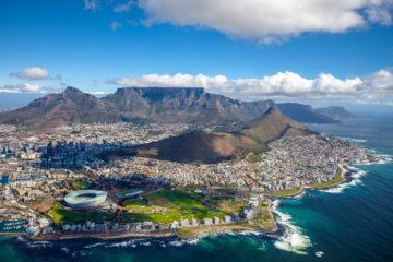 Table Mountain und Lions Head in Kapstadt, Südafrika