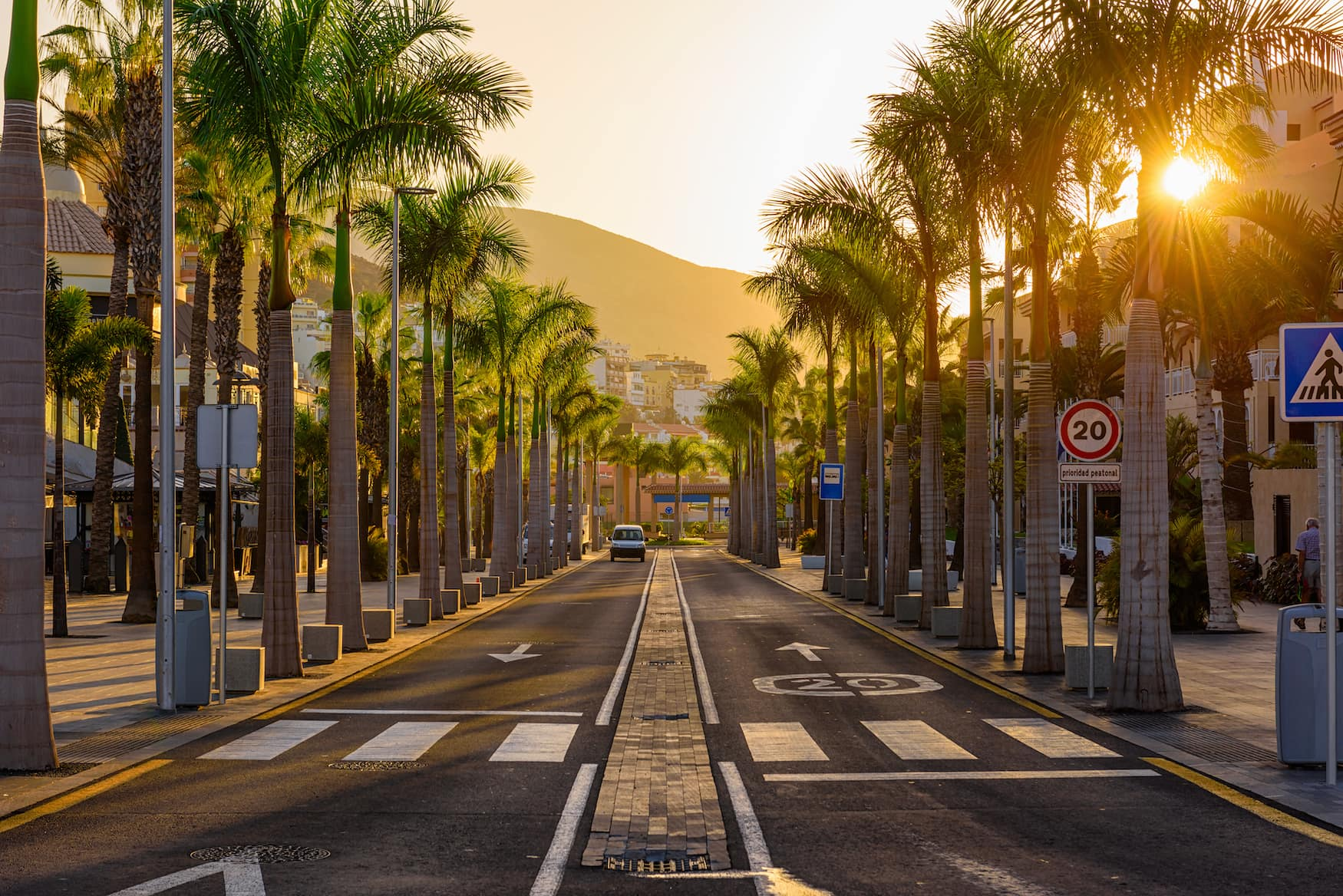 Avenida de Las Americas auf der Kanareninsel Teneriffa