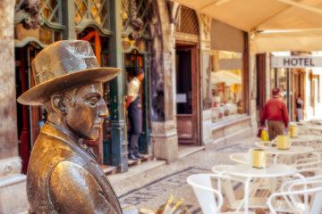Fernando Pessoa outside of Cafe A Brasileira