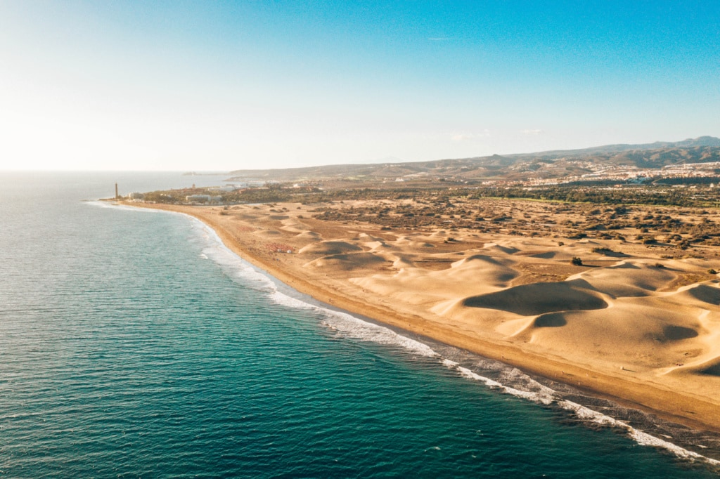 Maspalomas auf Gran Canaria hat nicht nur grandiose Dünen zu bieten, sondern auch tolle Shoppinggelegenheiten.