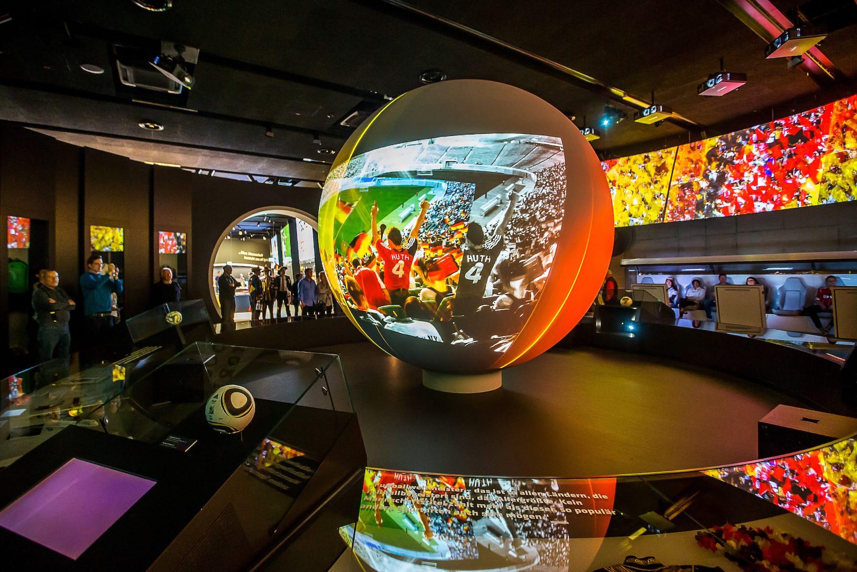 Goldene Generation Multimedia Projektion