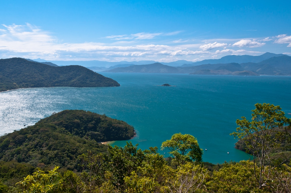 Grüne Küste: Ilha Grande Island in Brasilien