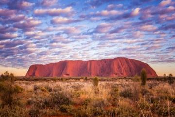 Bekannter Fels in Australiens Outback