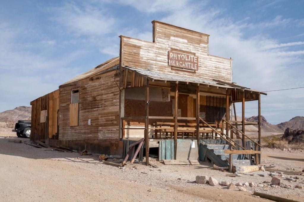 Verlassenes Haus in der Geisterstadt Rhyolite in Arizona