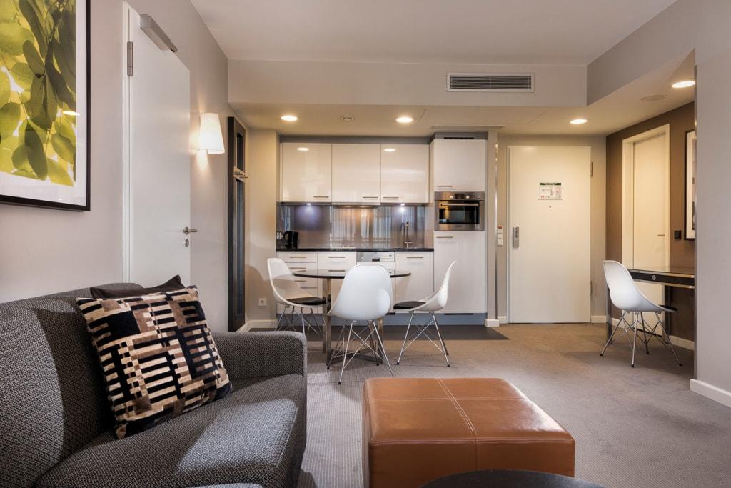 Blick in ein Appartement vom Hotel Adina Michel in hamburg