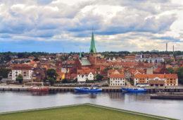 Aussicht von Schloss Kronburg auf Elsinore Dänemark