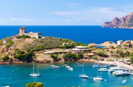 Blick auf eine Bucht auf Korsika