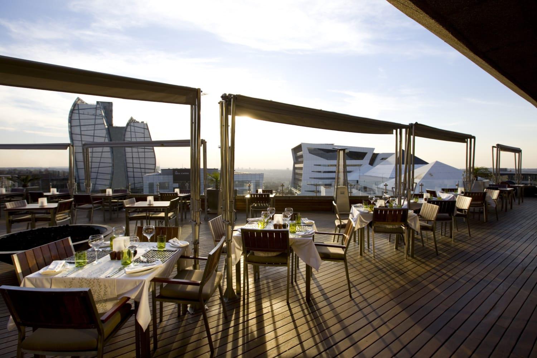Sonnenterasse im Sandton Sun Hotel in Johannesburg