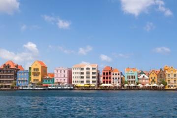 Häuser am Hafen von Willemstad