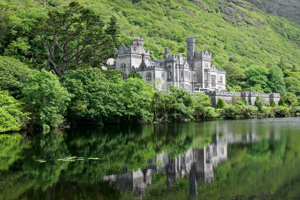 Die schönsten Gärten Irlands: Kylemore Abbey in Irland