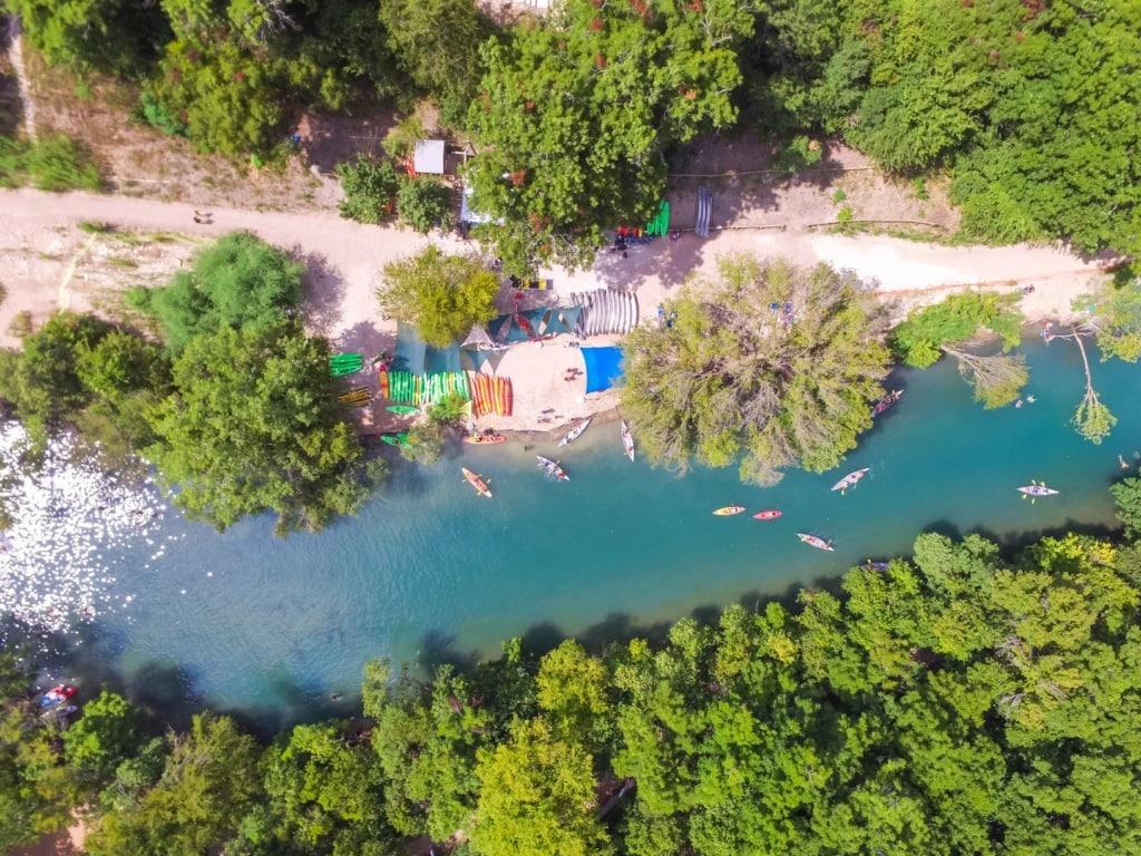 Badeorte in Texas: Barton Creek Pool bei Austin, Texas