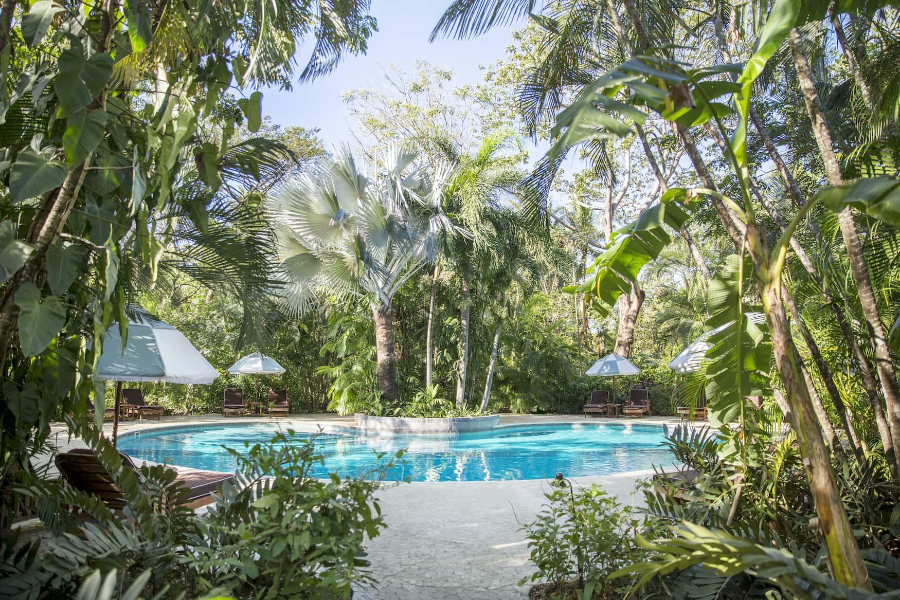 Hotelpool im Dschungel bei Nosara