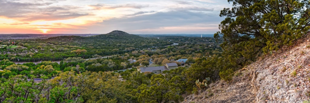 Blick auf das Blanco River Valley in Texas