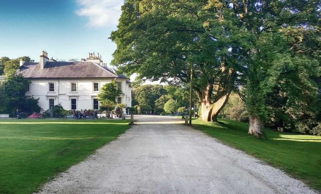 Das Rathmullan House im County Donegal lädt auch zu Übernachtungen ein.