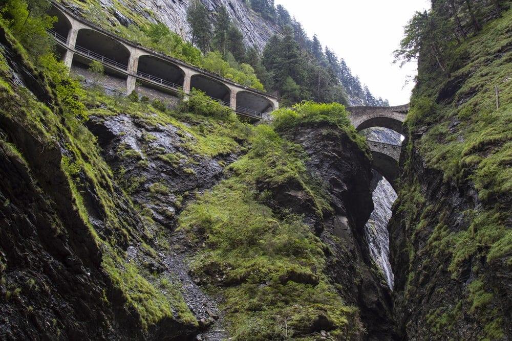 Schluchten in der Schweiz: die Viamala-Schlucht
