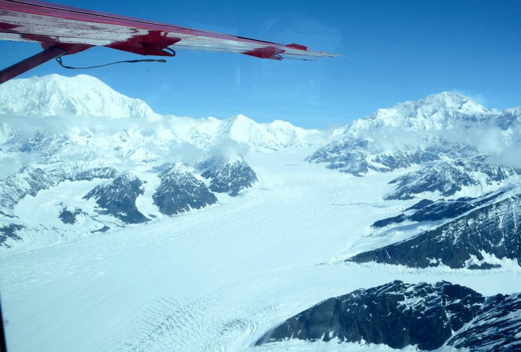 Gletscher aus dem Wasserflugzeug fotografiert