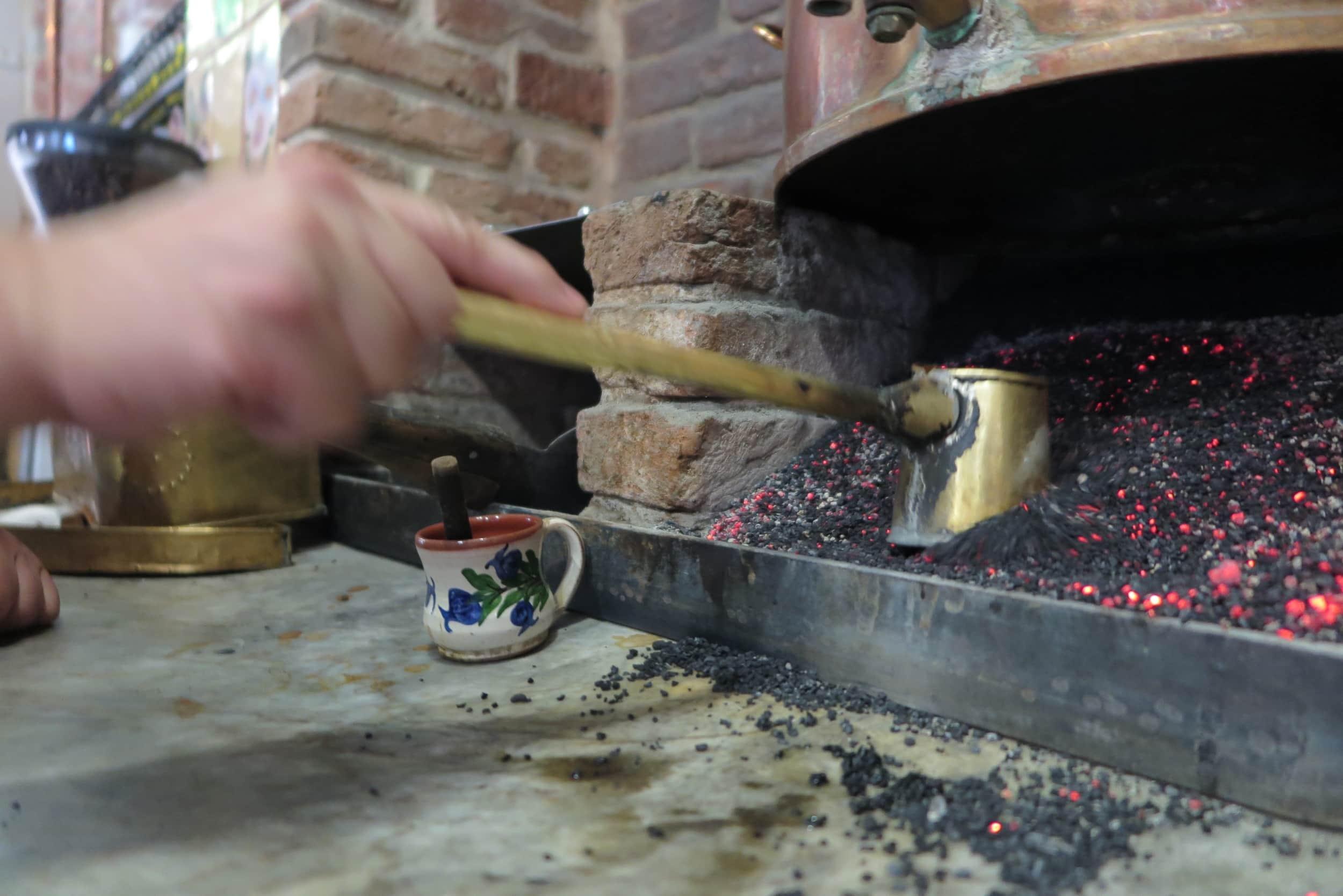 Kaffee nach traditioneller Art auf Lesbos