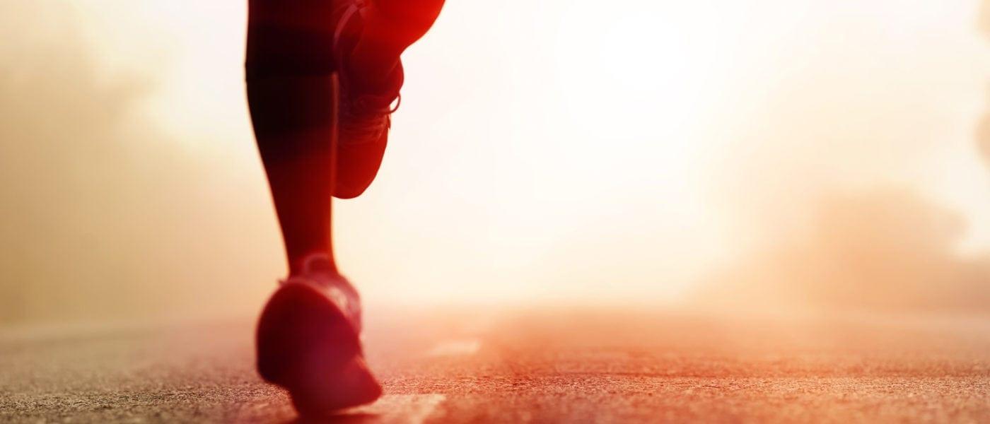 Marathonläufer auf einer Straße