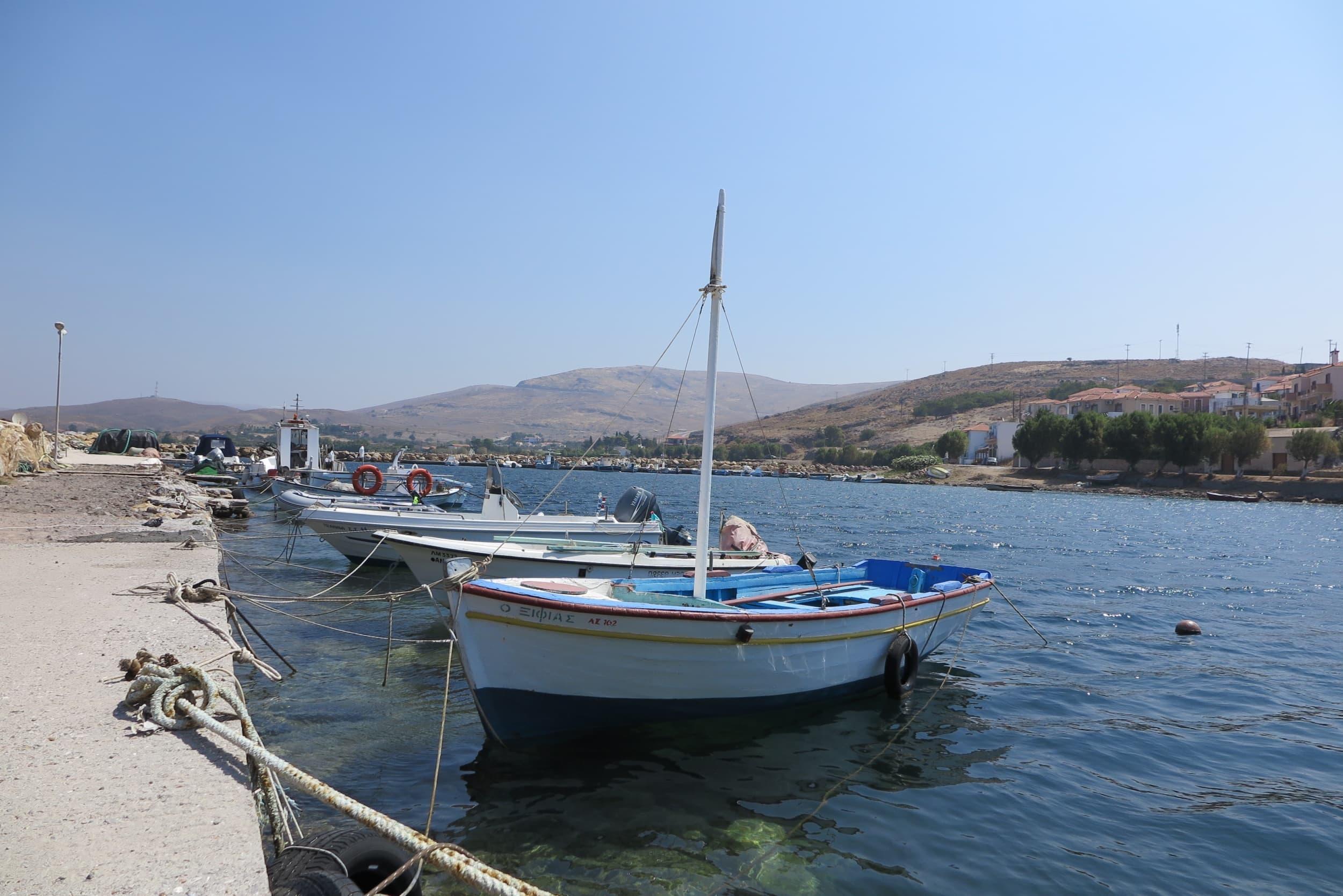Botte im Hafen von Sigri auf Lesbos